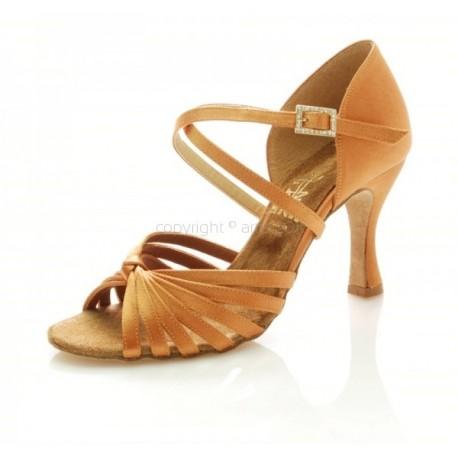 High Heels mit Swarovski Steinen in ss20 und Blattgold Sohle