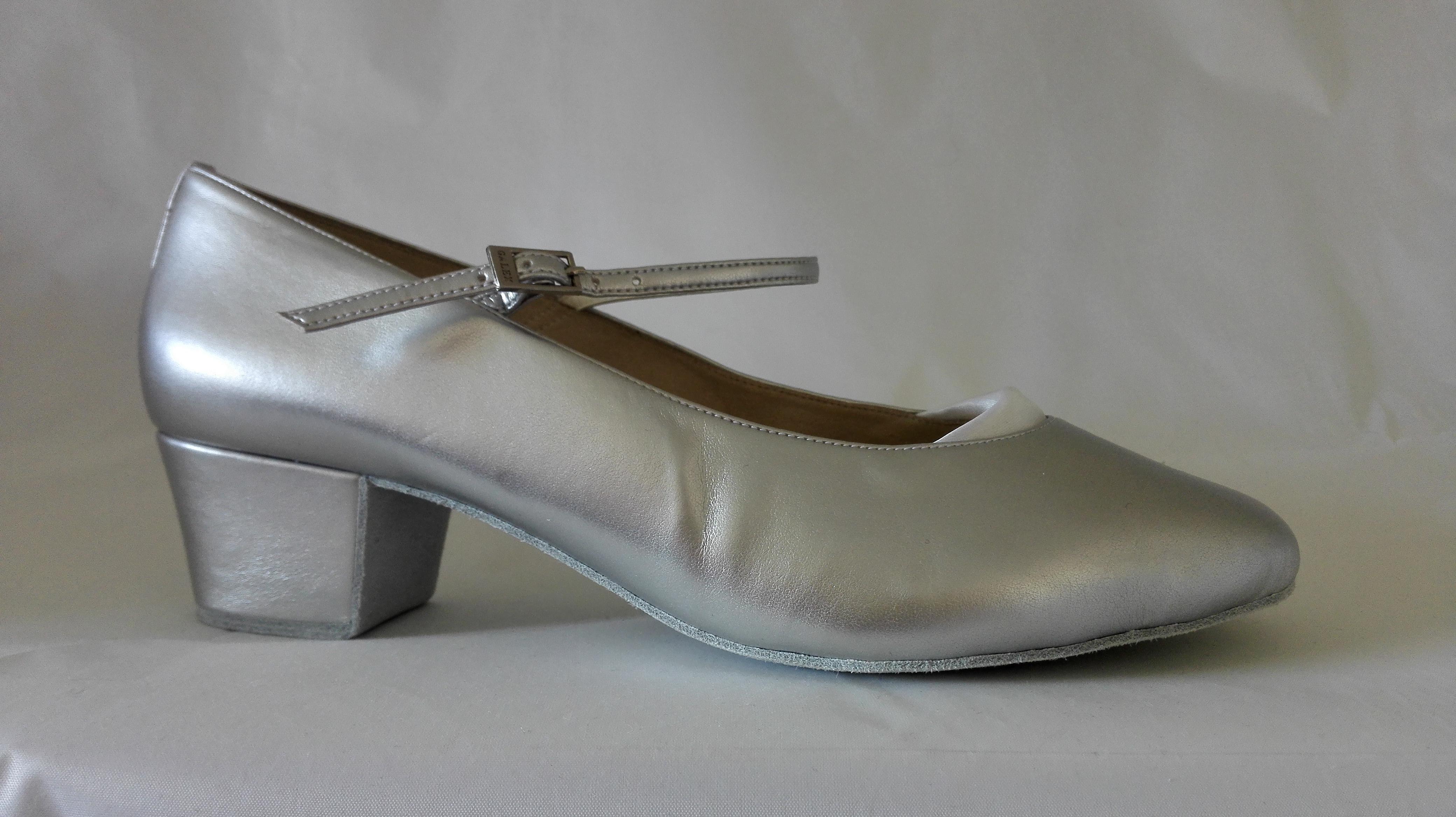 Caroline - Gr. 27 cm - Silber Leder (Block Absatz)